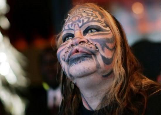 mujer-tatuaje-118