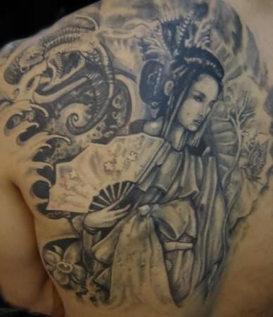 chicas-tatuajes-127
