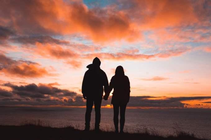Acuario con Acuario: Compatibilidad en amor, sexo y amistad