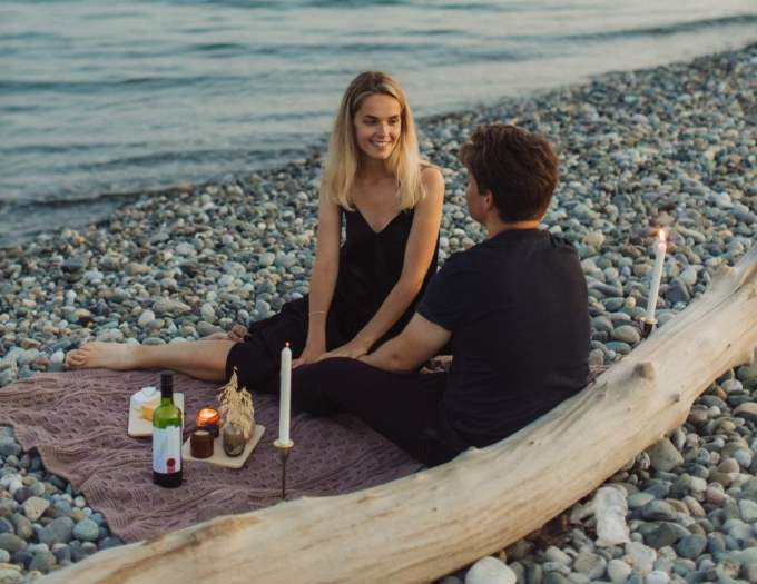 Hombre Acuario y Mujer Capricornio: Compatibilidad en Amor, sexo y amistad