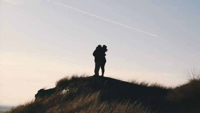 Hombre Géminis y Mujer Libra: Compatibilidad en Amor, sexo y amistad