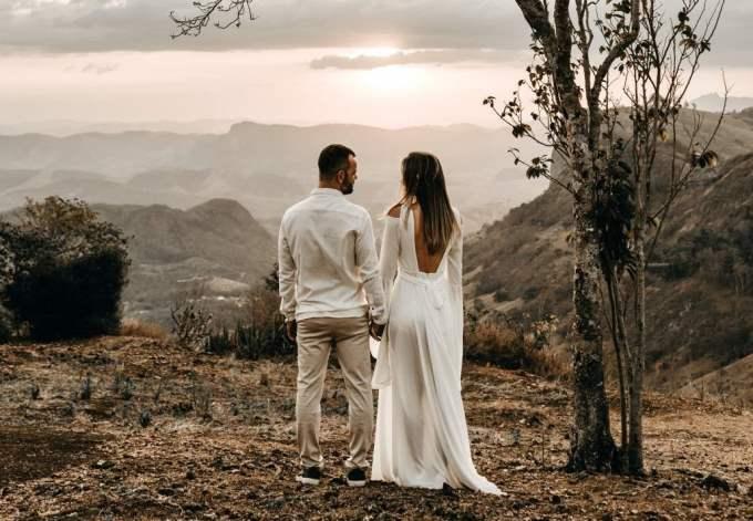 Hombre Sagitario y Mujer Cáncer: Compatibilidad en Amor, sexo y amistad