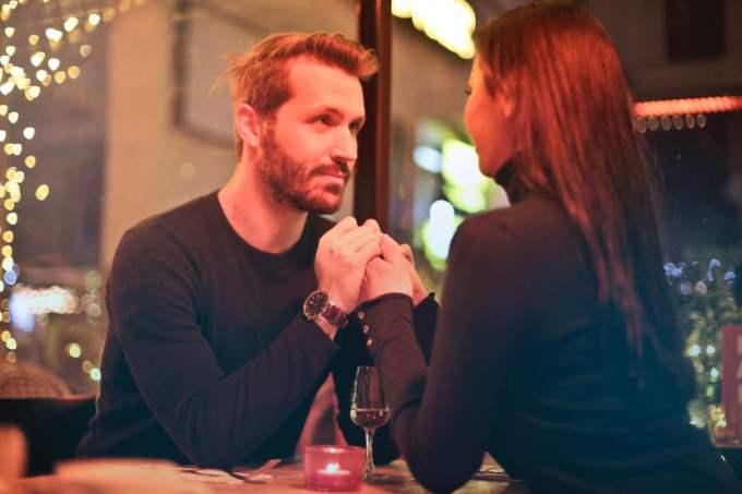 Hombre Capricornio y Mujer Aries: Compatibilidad en Amor, sexo y amistad