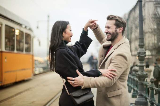Hombre Capricornio y Mujer Acuario: Compatibilidad en Amor, sexo y amistad