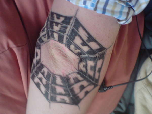 telerana-codo-tattoo
