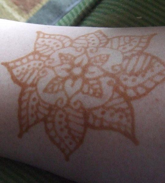 tatuaje henna 1064