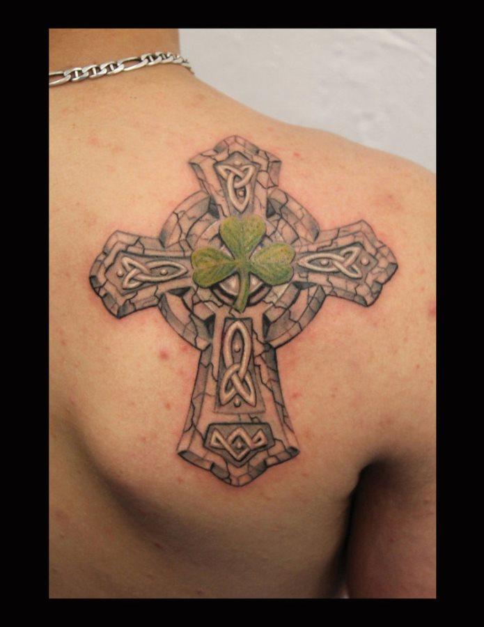 tatuaje trebol 17