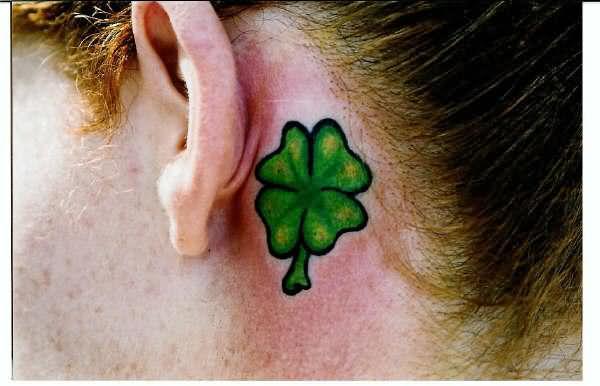 tatuaje trebol 31