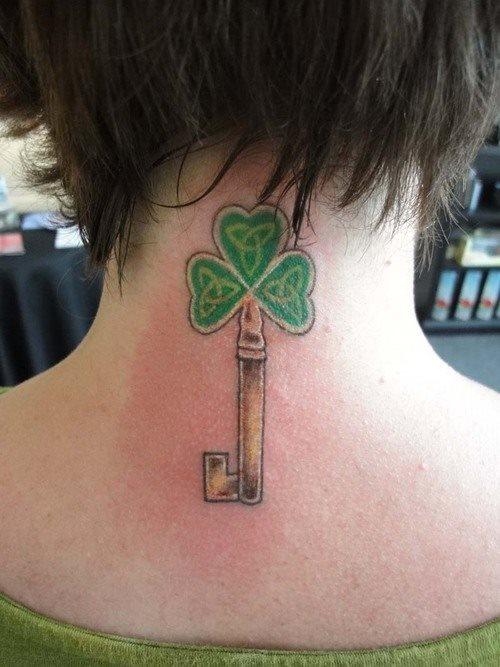 tatuaje trebol 40