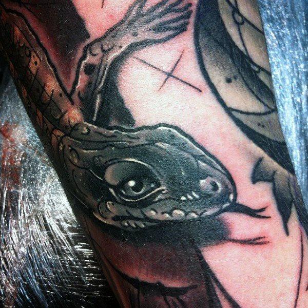 tatuaje lagarto para hombre 57