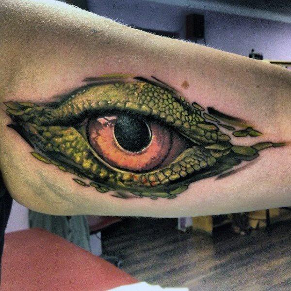 tatuaje lagarto para hombre 65