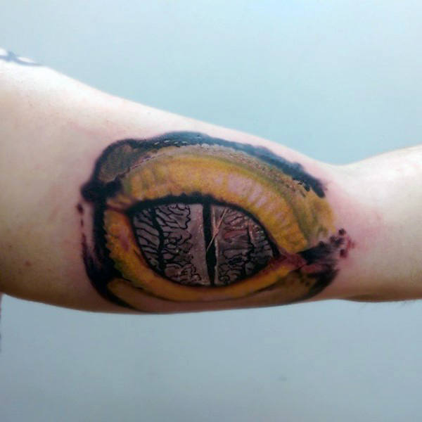 tatuaje lagarto para hombre 96