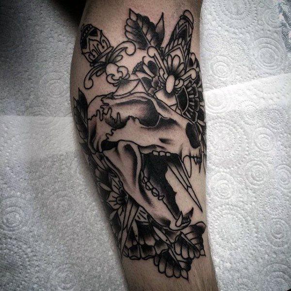 tatuaje clasico daga para hombre 13