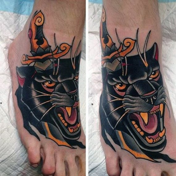 tatuaje clasico daga para hombre 15