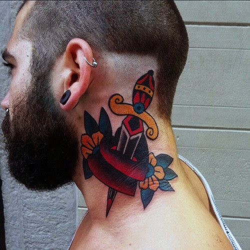 tatuaje clasico daga para hombre 47